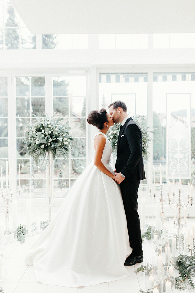 winter-elopement-justthetwoofus-0041
