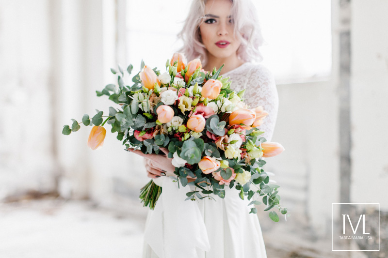 TML TABEA MARIA-LISA hochzeitsfloristik hochzeitsdekoration brautstrauss floral design wedding styling urban modern free people vintage wild peach weddingflowers-13