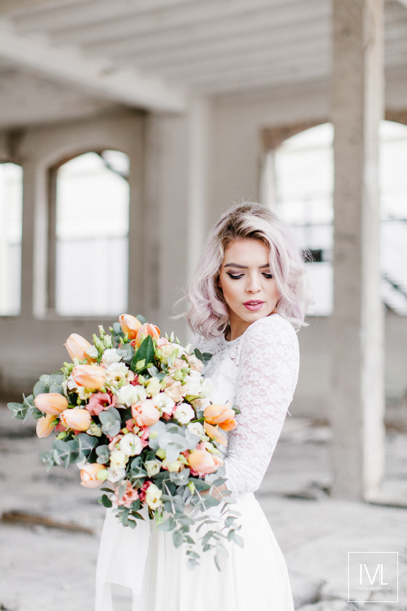TML TABEA MARIA-LISA hochzeitsfloristik hochzeitsdekoration brautstrauss floral design wedding styling urban modern free people vintage wild peach weddingflowers-16
