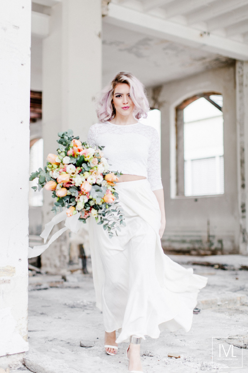TML TABEA MARIA-LISA hochzeitsfloristik hochzeitsdekoration brautstrauss floral design wedding styling urban modern free people vintage wild peach weddingflowers-18