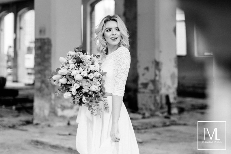 TML TABEA MARIA-LISA hochzeitsfloristik hochzeitsdekoration brautstrauss floral design wedding styling urban modern free people vintage wild peach weddingflowers-26