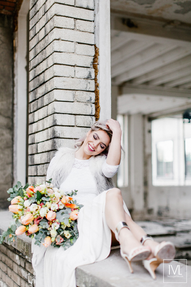 TML TABEA MARIA-LISA hochzeitsfloristik hochzeitsdekoration brautstrauss floral design wedding styling urban modern free people vintage wild peach weddingflowers-35