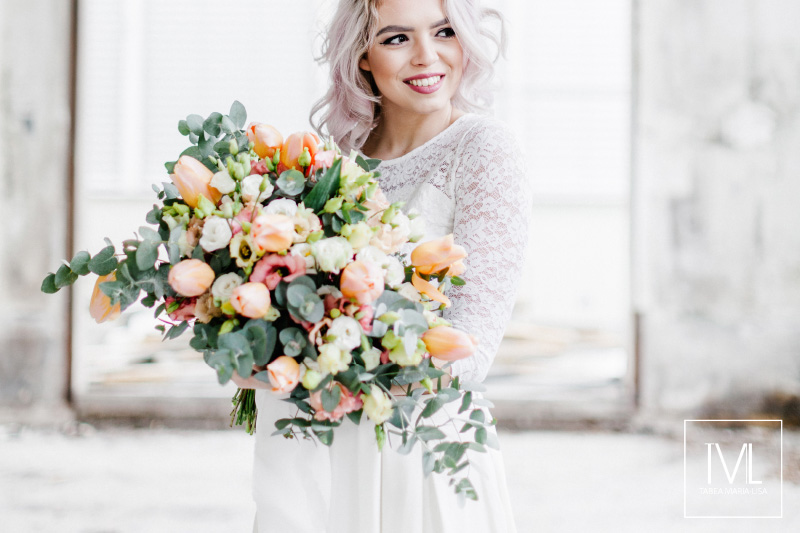 TML TABEA MARIA-LISA hochzeitsfloristik hochzeitsdekoration brautstrauss floral design wedding styling urban modern free people vintage wild peach weddingflowers-38