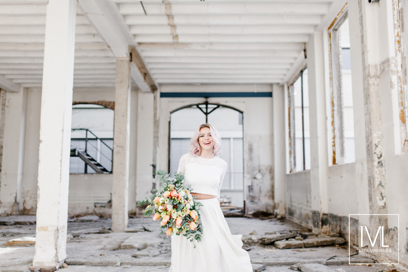 TML TABEA MARIA-LISA hochzeitsfloristik hochzeitsdekoration brautstrauss floral design wedding styling urban modern free people vintage wild peach weddingflowers-52