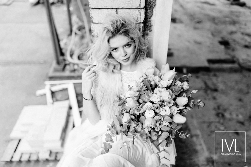 TML TABEA MARIA-LISA hochzeitsfloristik hochzeitsdekoration brautstrauss floral design wedding styling urban modern free people vintage wild peach weddingflowers-54