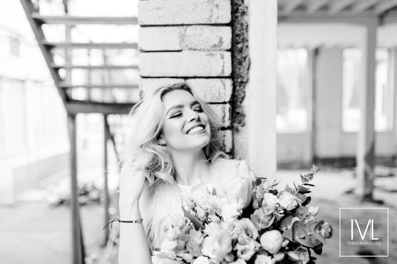 TML TABEA MARIA-LISA hochzeitsfloristik hochzeitsdekoration brautstrauss floral design wedding styling urban modern free people vintage wild peach weddingflowers-56