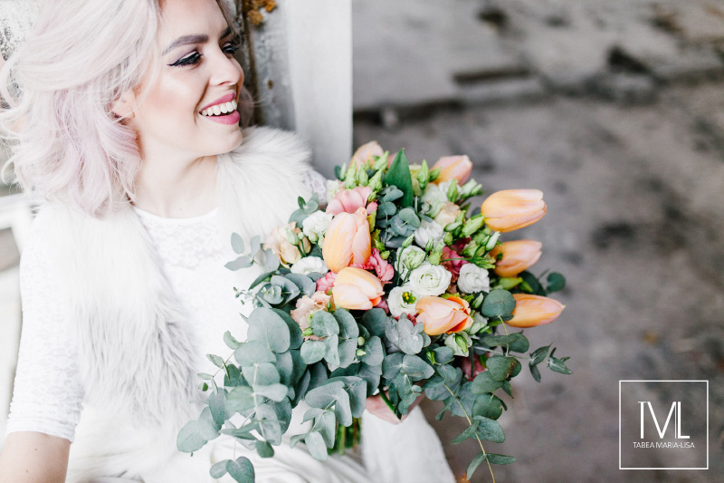 TML TABEA MARIA-LISA hochzeitsfloristik hochzeitsdekoration brautstrauss floral design wedding styling urban modern free people vintage wild peach weddingflowers-57