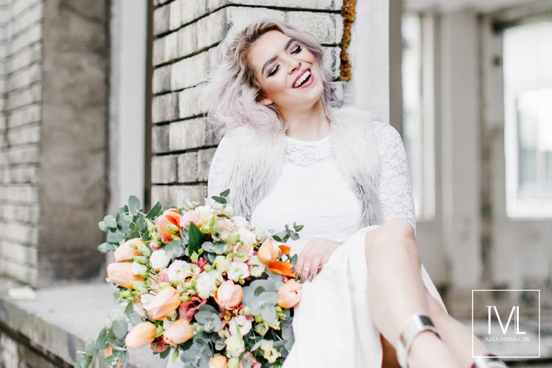TML TABEA MARIA-LISA hochzeitsfloristik hochzeitsdekoration brautstrauss floral design wedding styling urban modern free people vintage wild peach weddingflowers-59