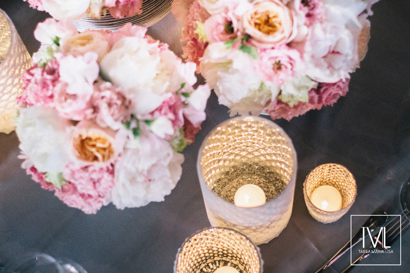 TML TABEA MARIA-LISA schloss thun hochzeitsfloristik hochzeitsdekoration brautstrauss floral design wedding styling urban modern luxe wedding rosa peach weddingflowers-57