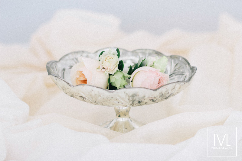 TML TABEA MARIA-LISA schloss thun hochzeitsfloristik hochzeitsdekoration brautstrauss floral design wedding styling urban modern luxe wedding rosa peach weddingflowers-7