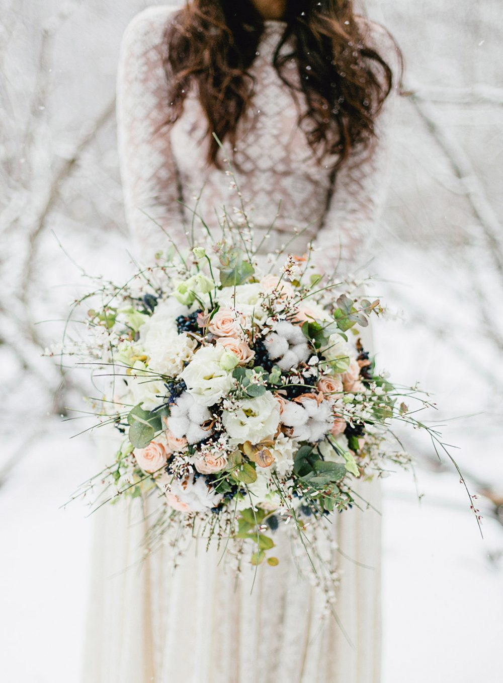Tabea Maria-Lisa TML Winterhochzeit Brautstrauss Winter Hochzeitsblumen Wedding Flowers Switzerland Swiss Elopement