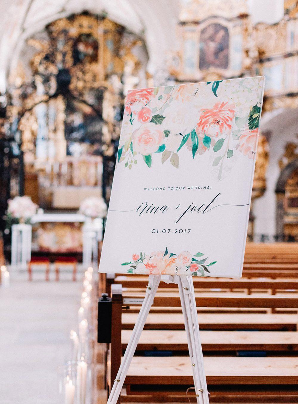 Heiraten Hochzeit Klosterkirche Muri Lake Lucerne Wedding Blush Rosa Zartrosa Grau Weiss Apricot Peach Hochzeitsblumen Schweiz Floristik und Dekoration Tabea Maria-Lisa TML
