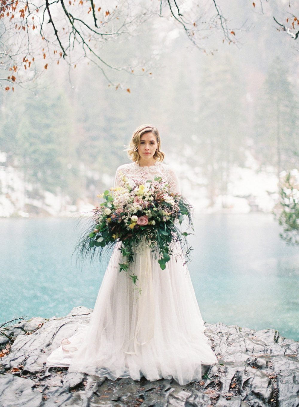 Tabea Maria-Lisa Momento Cativo Photography featured on Style Me Pretty Switzerland Schweiz Hochzeit Blausee
