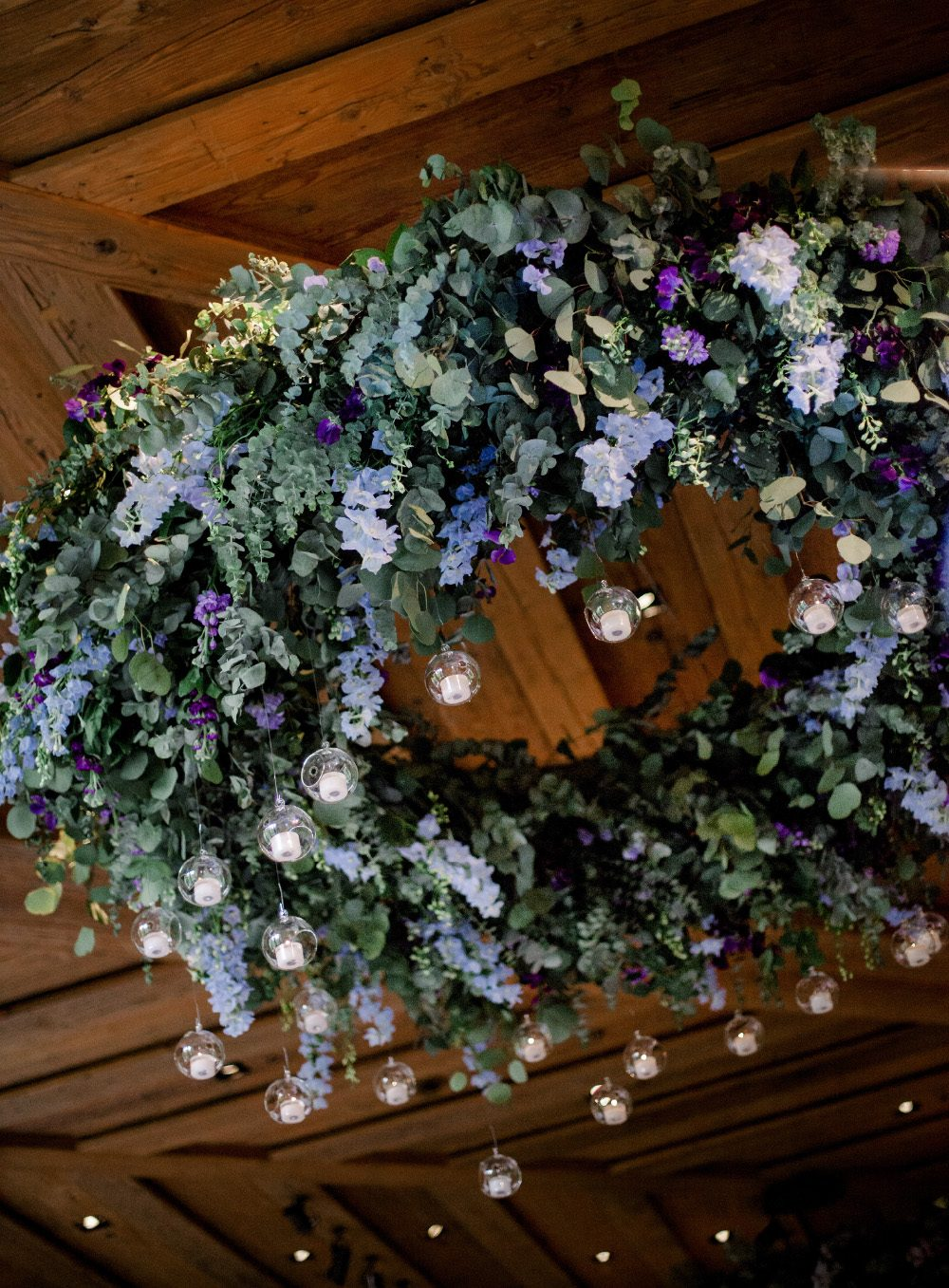 Chuppah, jewish wedding, the alpina gstaad, luxury wedding switzerland, aisle flowers, blumen baldachin, zeremoniedekoration, hochzeitsfloristik, ceiling, purple, silver