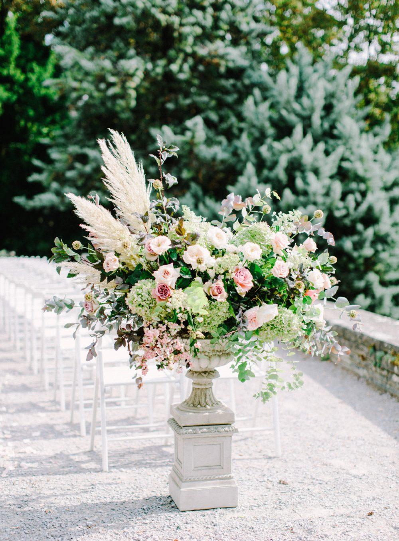 TML Tabea Maria-Lisa Floral Designer Wedding Vitznauerhof Belvoir Park Zurich Hochzeitsblumen Hochzeitsfloristik Hochzeitsdekoration Swiss Wedding Flowers Luxury Wedding Jesus Peiro Kate Cullen silk ribbon Vitznau Zurich